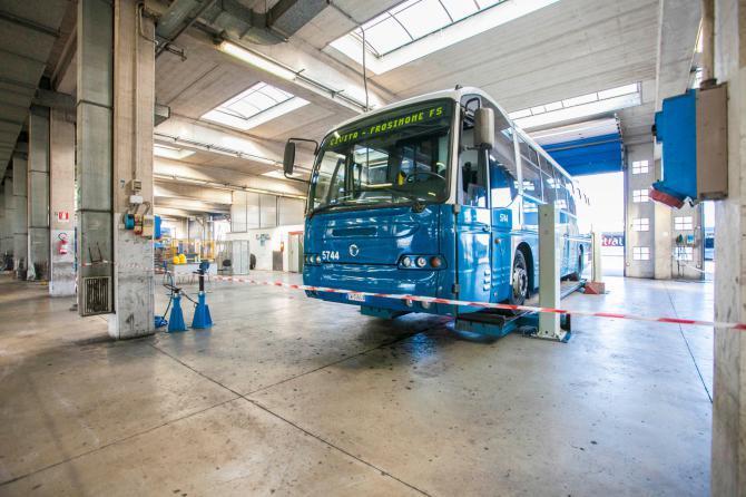 Comfort e sicurezza il trasporto del futuro presentati i for Foto staccate del garage