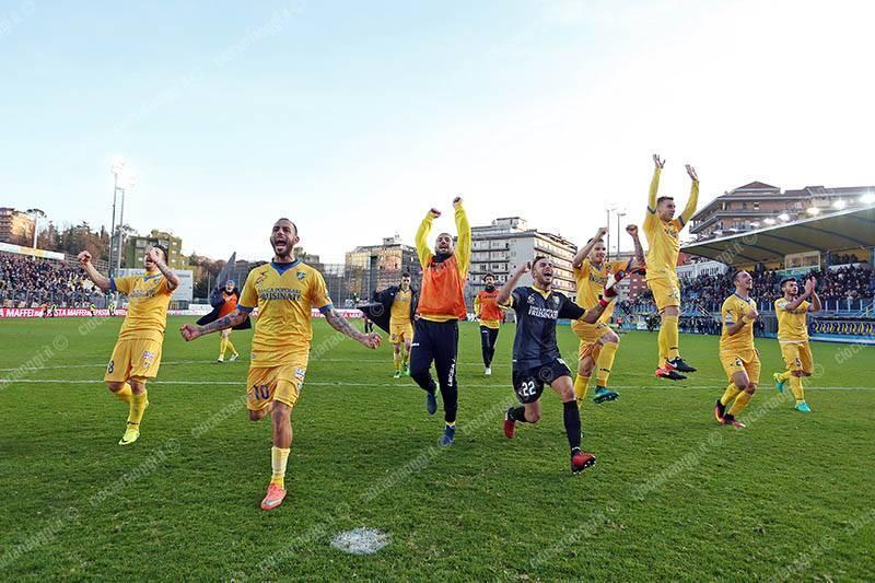 Avellino, aggressione a Luca Toni e al presidente del Verona