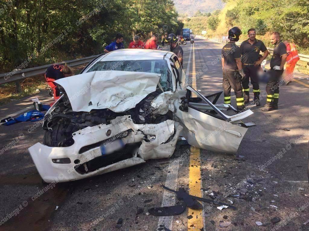 Prossedi, incidente mortale sulla Monti Lepini: perdono la vita padre e figlio