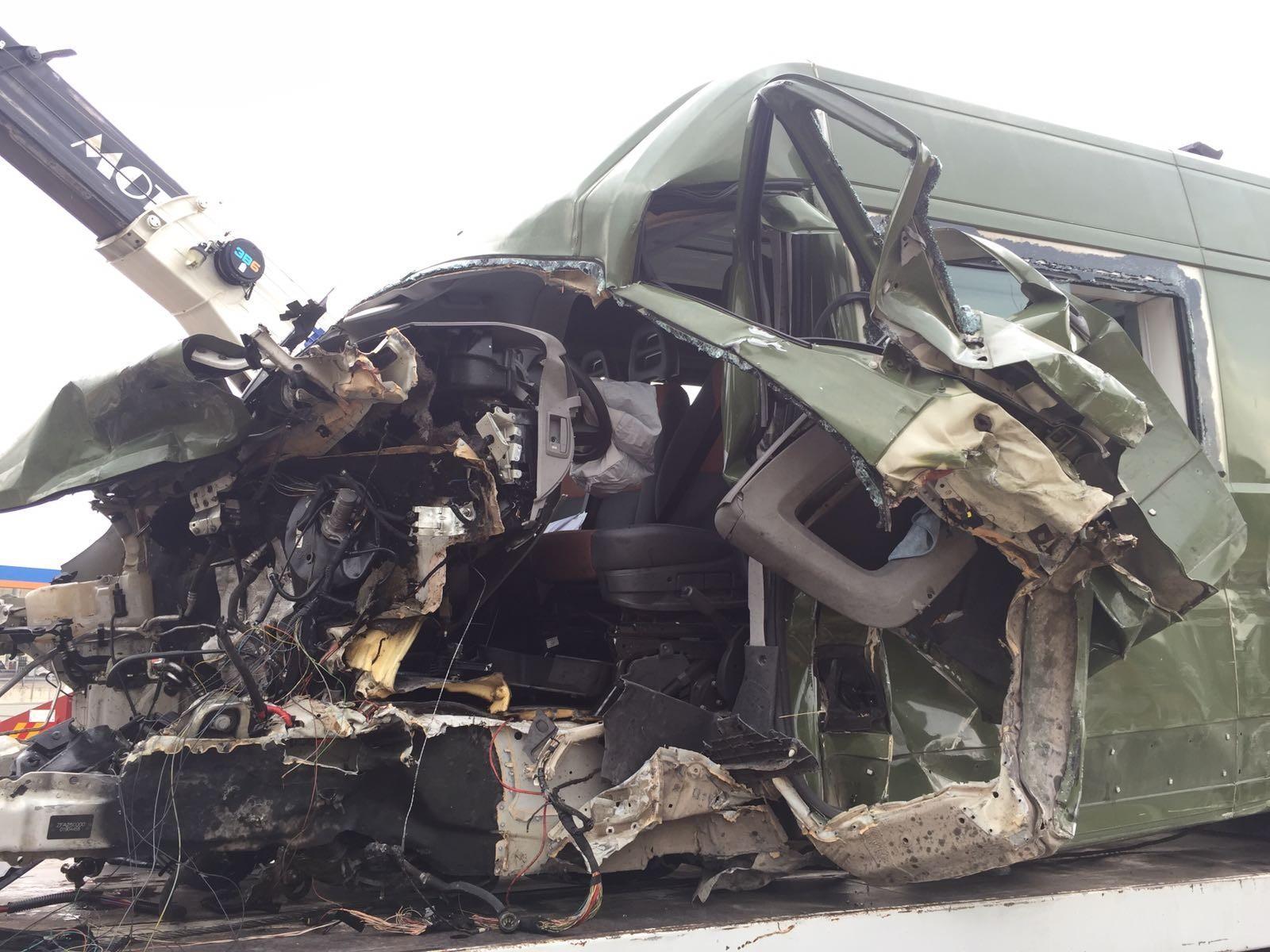 Si ribalta mezzo militare sull'A1, morto un soldato