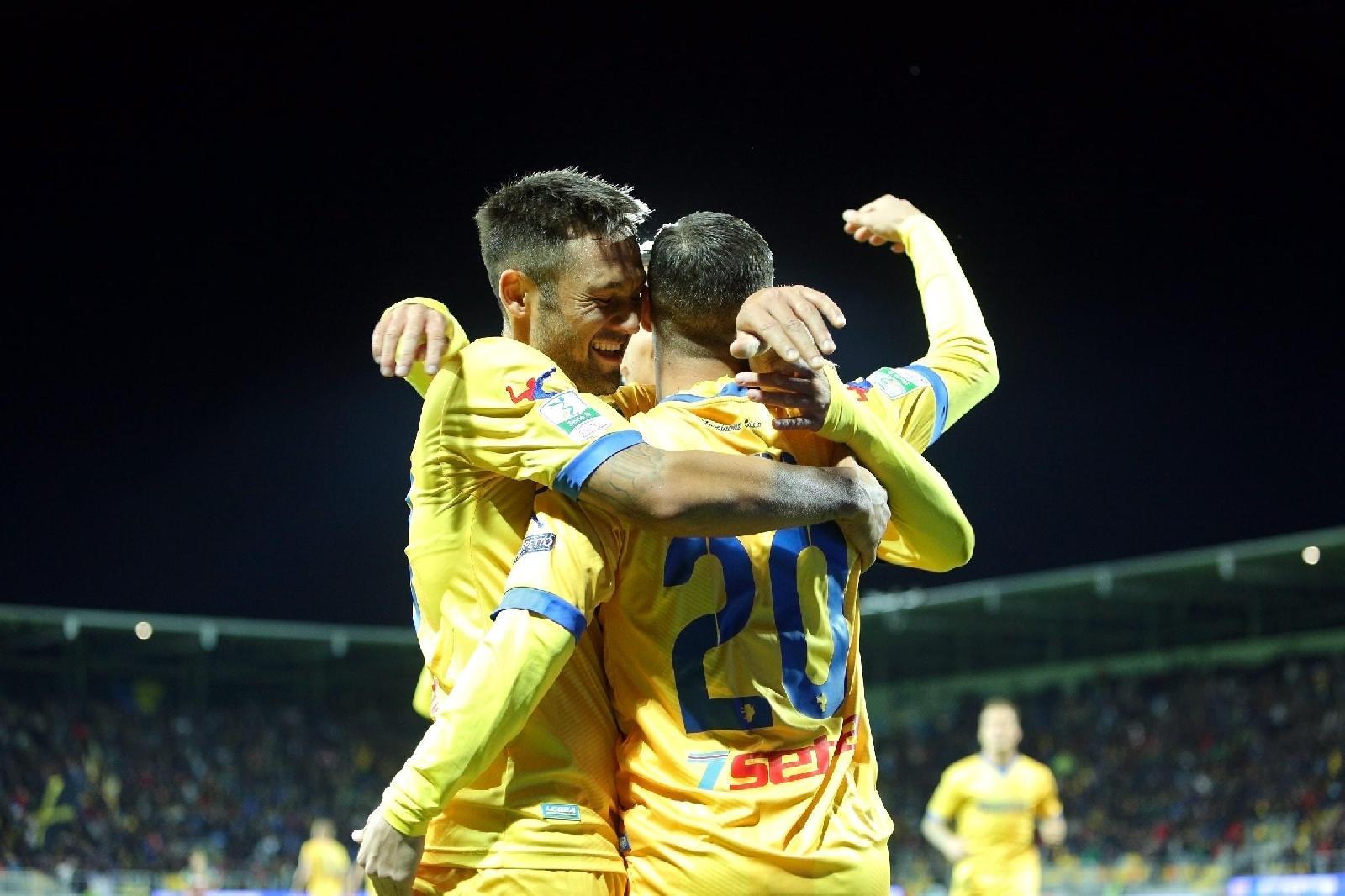Serie B, Frosinone in vetta col Parma