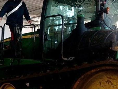 Letto Castello Trattore : Corciano trattore si ribalta muore enne