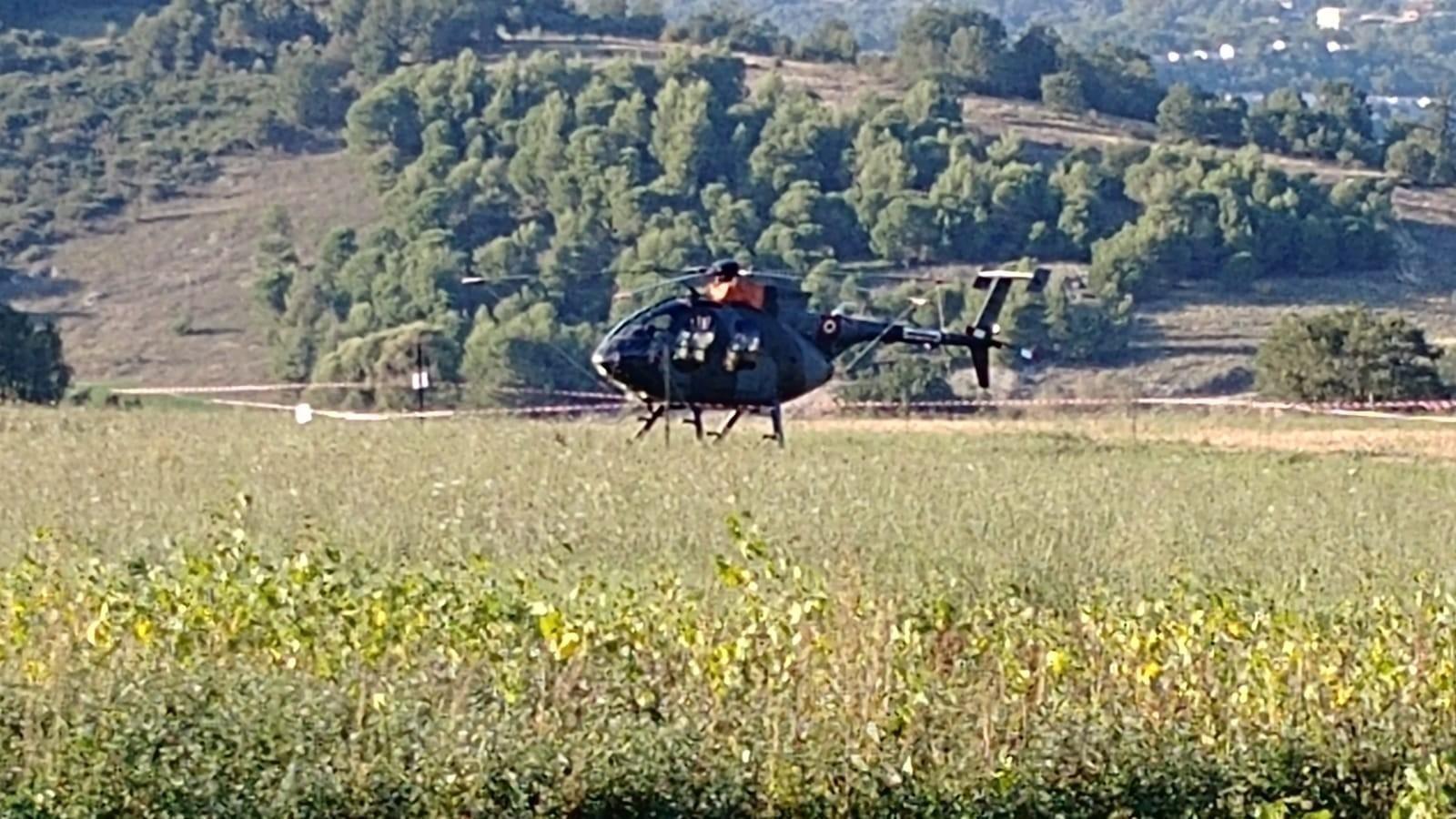 Un Elicottero : Fumone atterraggio di emergenza di un elicottero militare ecco