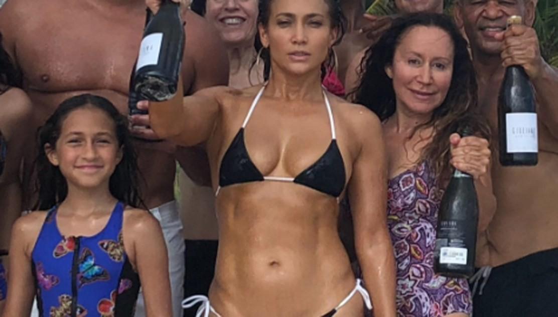 Jennifer Lopez f18cc0c9e86