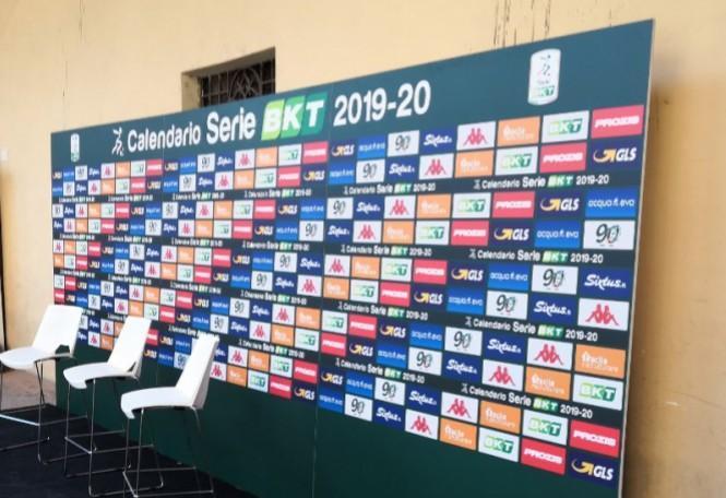 Calendario Serie B 2020 20.Frosinone Sorteggi Serie B 2019 2020 Definito Il Calendario