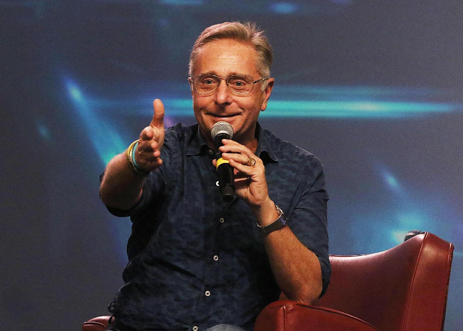 Paolo Bonolis contro Marco Cartasegna: