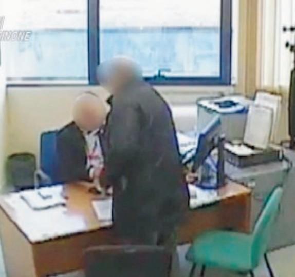 Frosinone Mazzette Al Catasto Caso Chiuso A Giudizio 35 Persone