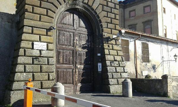 L'ingresso del carcere di Paliano