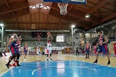 Cassino si spegne, Casale passa all'overtime